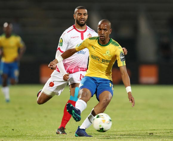 Tiyani Mabunda of Mamelodi Sundowns challenged by Ismail El Haddad of Wydad during the 2018 CAF Champions League match between Mamelodi Sundowns and Wydad at Lucas Moripe Stadium, Atteridgeville on 05 May 2018 ©Muzi Ntombela/BackpagePix