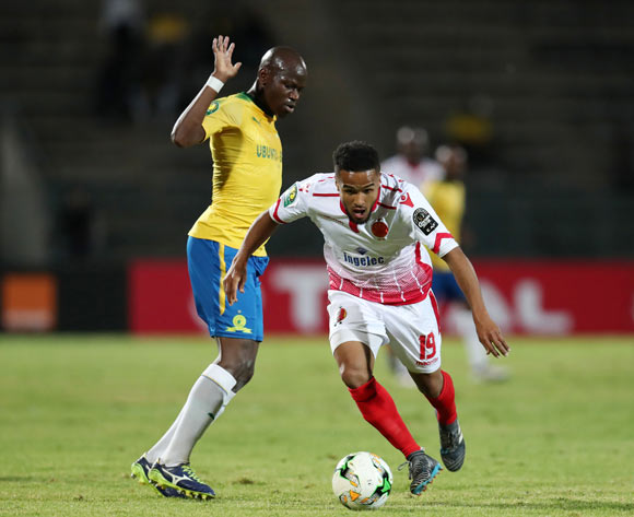 Amin Tighazoui of Wydad challenged by Hlompho Kekana of Mamelodi Sundowns during the 2018 CAF Champions League match between Mamelodi Sundowns and Wydad at Lucas Moripe Stadium, Atteridgeville on 05 May 2018 ©Muzi Ntombela/BackpagePix