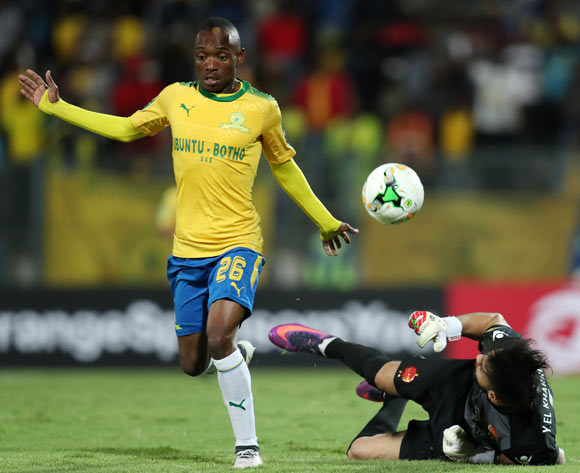 Khama Billiat of mamelodi Sundowns challenged by Yassine El Kharroubi of Wydad during the 2018 CAF Champions League match between Mamelodi Sundowns and Wydad at Lucas Moripe Stadium, Atteridgeville on 05 May 2018 ©Muzi Ntombela/BackpagePix