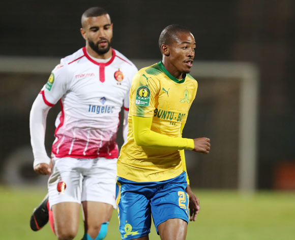 Thapelo Morena of Mamelodi Sundowns challenged by Ismail El Haddad of Wydad during the 2018 CAF Champions League match between Mamelodi Sundowns and Wydad at Lucas Moripe Stadium, Atteridgeville on 05 May 2018 ©Muzi Ntombela/BackpagePix