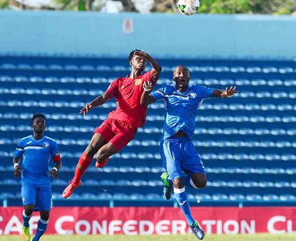 Austine Oladapo of Enyimba during the 2018 CAF Confederation Cup football match between Enyimba and Djoliba at the UJ Esuene Stadium, Calabar, Nigeria on 6 May 2018 ©Kabiru Abubakar/BackpagePix