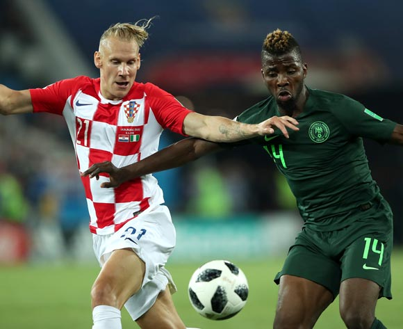 epa06814460 Kelechi Iheanacho of Nigeria (R) and Domagoj Vida of Croatia in action during the FIFA World Cup 2018 group D preliminary round soccer match between Croatia and Nigeria in Kaliningrad, Russia, 16 June 2018.