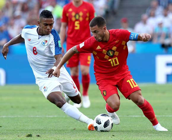 epa06819074 Edgar Barcenas of Panama (L) and Eden Hazard of Belgium in action during the FIFA World Cup 2018 group G preliminary round soccer match between Belgium and Panama in Sochi, Russia, 18 June 2018.