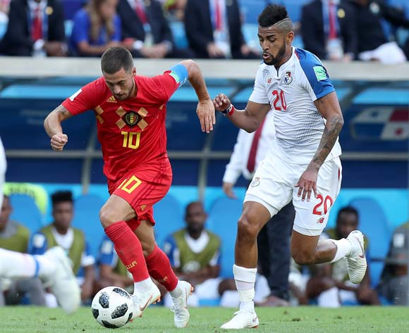 epa06819131 Anibal Godoy of Panama and Eden Hazard of Belgium (L) in action during the FIFA World Cup 2018 group G preliminary round soccer match between Belgium and Panama in Sochi, Russia, 18 June 2018.