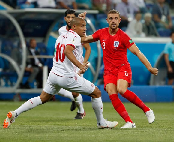 epa06819666 Jordan Henderson (R) of England and Wahbi Khazri of Tunisia in action during the FIFA World Cup 2018 group G preliminary round soccer match between Tunisia and England in Volgograd, Russia, 18 June 2018.