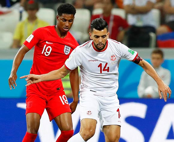 epa06819818 Marcus Rashford (L) of England in action against Mohamed Ben Amor (R) of Tunisia during the FIFA World Cup 2018 group G preliminary round soccer match between Tunisia and England in Volgograd, Russia, 18 June 2018.