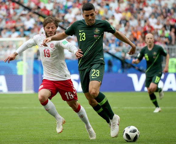 epa06827186 Lasse Schone (L) of Denmark and Tom Rogic of Australia in action during the FIFA World Cup 2018 group C preliminary round soccer match between Denmark and Australia in Samara, Russia, 21 June 2018.