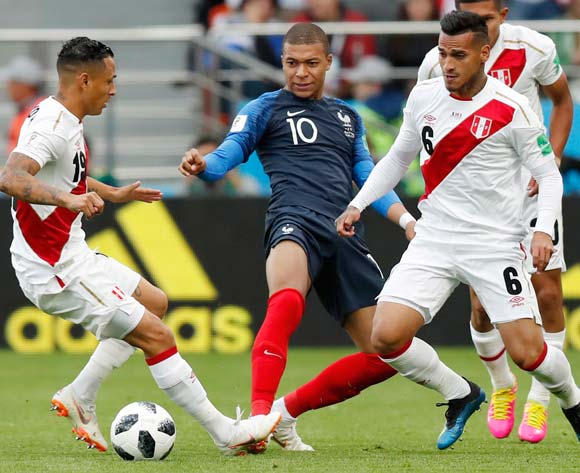 France edge Peru to claim last 16 berth