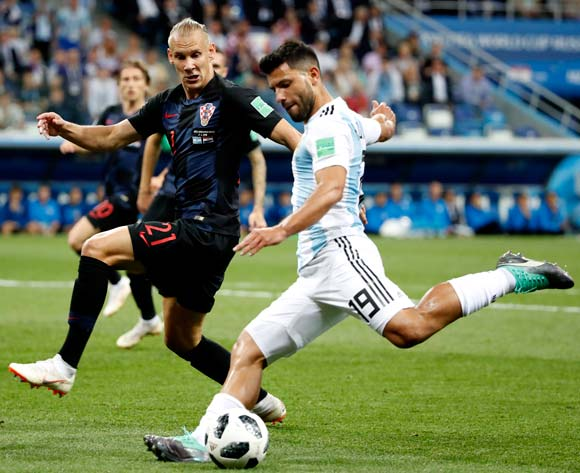 epa06828759 Domagoj Vida (L) of Croatia and Sergio Aguero (R) of Argentina in action during the FIFA World Cup 2018 group D preliminary round soccer match between Argentina and Croatia in Nizhny Novgorod, Russia, 21 June 2018.
