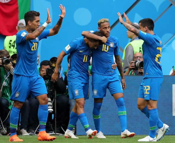epa06830647 Neymar (C-R) of Brazil celebrates scoring the 2-0 lead during the FIFA World Cup 2018 group E preliminary round soccer match between Brazil and Costa Rica in St.Petersburg, Russia, 22 June 2018.