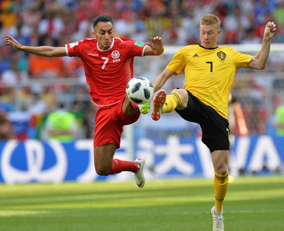 epa06832829 Saif-Eddine Khaoui (L) of Tunisia in action against Kevin De Bruyne (R) of Belgium during the FIFA World Cup 2018 group G preliminary round soccer match between Belgium and Tunisia in Moscow, Russia, 23 June 2018.