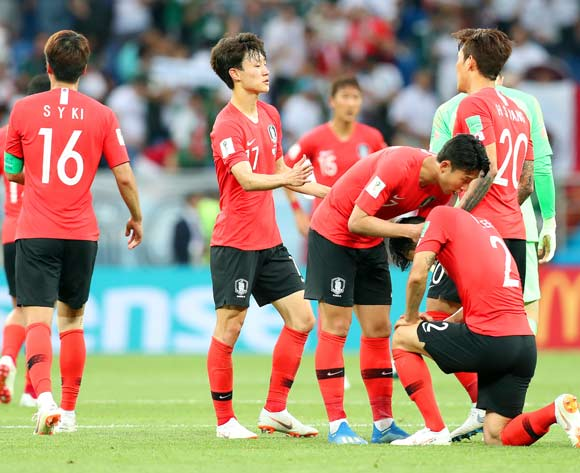 epa06834096 Players of South Korea react after the FIFA World Cup 2018 group F preliminary round soccer match between South Korea and Mexico in Rostov-On-Don, Russia, 23 June 2018. Mexico won 2-1.