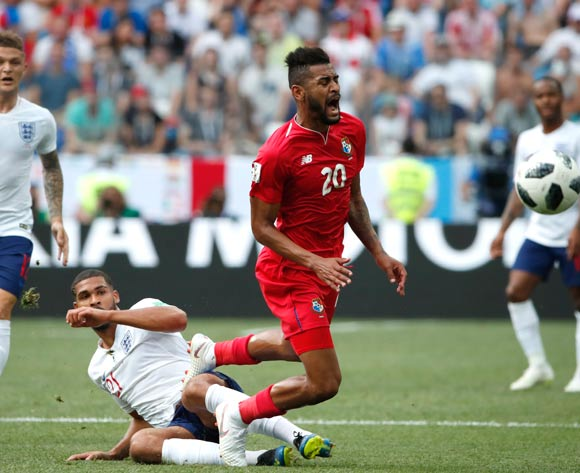 epa06835811 Anibal Godoy (C) of Panama in action during the FIFA World Cup 2018 group G preliminary round soccer match between England and Panama in Nizhny Novgorod, Russia, 24 June 2018.