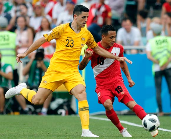 epa06841541 Yoshimar Yotun of Peru (R) amd Tom Rogic of Australia during the FIFA World Cup 2018 group C preliminary round soccer match between Australia and Peru in Sochi, Russia, 26 June 2018.