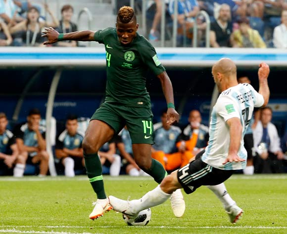 epa06842539 Kelechi Iheanacho of Nigeria (C) and Javier Mascherano of Argentina (R) in action during the FIFA World Cup 2018 group D preliminary round soccer match between Nigeria and Argentina in St.Petersburg, Russia, 26 June 2018.