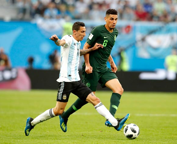 epa06842541 Leon Balogun of Nigeria (R) and Angel Di Maria of Argentina in action during the FIFA World Cup 2018 group D preliminary round soccer match between Nigeria and Argentina in St.Petersburg, Russia, 26 June 2018.