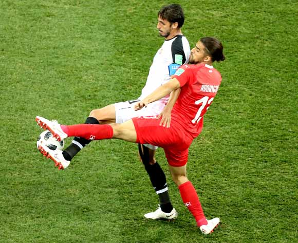 epa06845326 Ricardo Rodriguez of Switzerland (R) and Bryan Ruiz of Costa Rica in action the FIFA World Cup 2018 group E preliminary round soccer match between Switzerland and Costa Rica in Nizhny Novgorod, Russia, 27 June 2018.