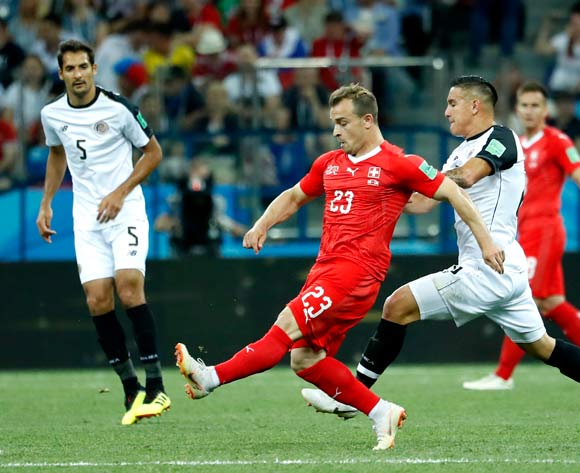 epa06845356 Xherdan Shaqiri (C) of Switzerland in action during the FIFA World Cup 2018 group E preliminary round soccer match between Switzerland and Costa Rica in Nizhny Novgorod, Russia, 27 June 2018.