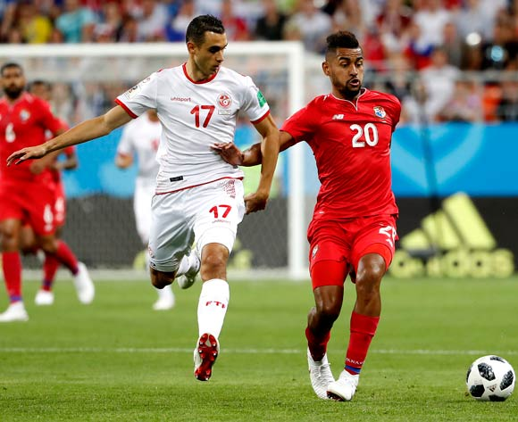 Anibal Godoy of Panama (R) and Ellyes Skhiri of Tunisia in actrion during the FIFA World Cup 2018 group G preliminary round soccer match between Panama and Tunisia in Saransk, Russia, 28 June 2018.