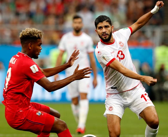 epa06848306 Alberto Quintero (L) of Panama and Ferjani Sassi of Tunisia in action during the FIFA World Cup 2018 group G preliminary round soccer match between Panama and Tunisia in Saransk, Russia, 28 June 2018.