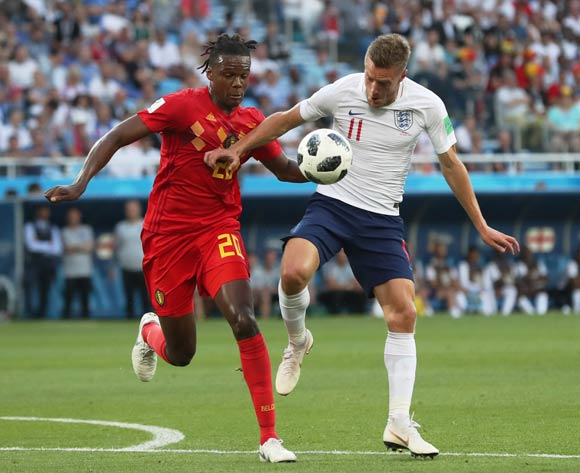 epa06848323 Jamie Vardy (R) of England and Dedryck Boyata of Belgium in action during the FIFA World Cup 2018 group G preliminary round soccer match between England and Belgium in Kaliningrad, Russia, 28 June 2018.