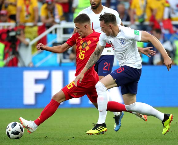 epa06848325 Thorgan Hazard of Belgium (L) and Phil Jones of England in action during the FIFA World Cup 2018 group G preliminary round soccer match between England and Belgium in Kaliningrad, Russia, 28 June 2018.