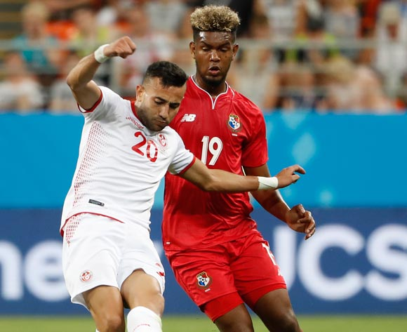 epa06848338 Alberto Quintero of Panama (R) and Ghailene Chaalali of Tunisia in action during the FIFA World Cup 2018 group G preliminary round soccer match between Panama and Tunisia in Saransk, Russia, 28 June 2018.