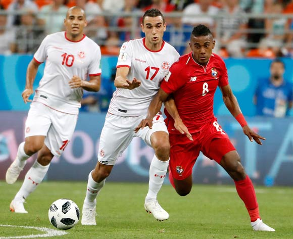 Edgar Barcenas of Panama (R) and Ellyes Skhiri of Tunisia during the FIFA World Cup 2018 group G preliminary round soccer match between Panama and Tunisia in Saransk, Russia, 28 June 2018