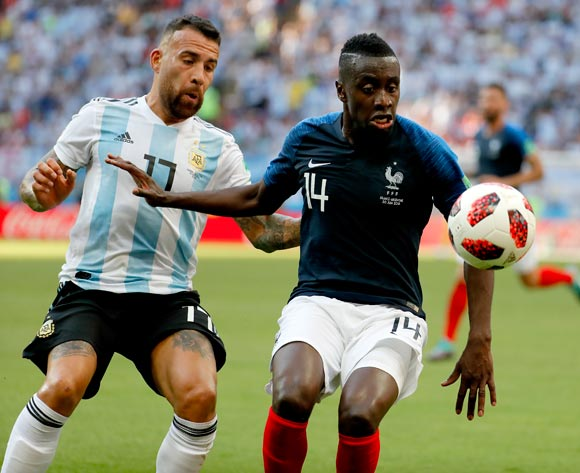 epa06852014 Nicolas Otamendi of Argentina (L) and Blaise Matuidi of France in action during the FIFA World Cup 2018 round of 16 soccer match between France and Argentina in Kazan, Russia, 30 June 2018.