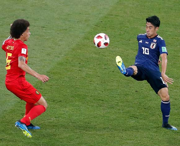 epa06859096 Axel Witsel of Belgium (L) and Shinji Kagawa of Japan in action during the FIFA World Cup 2018 round of 16 soccer match between Belgium and Japan in Rostov-On-Don, Russia, 02 July 2018.