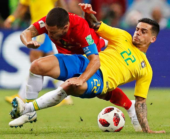 epa06869730 Fagner (R) of Brazil in action against Eden Hazard (L) of Belgium during the FIFA World Cup 2018 quarter final soccer match between Brazil and Belgium in Kazan, Russia, 06 July 2018.