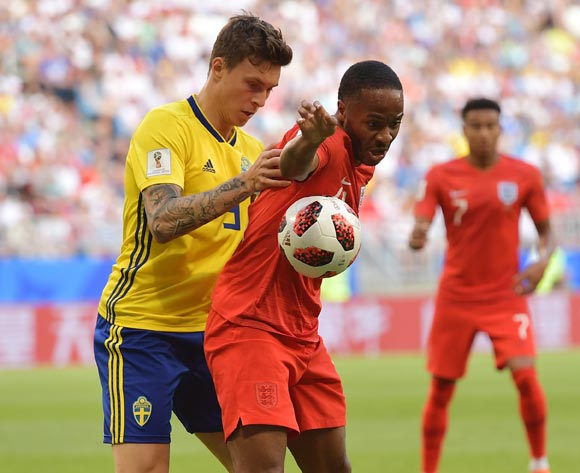 epa06871088 Victor Lindelof (L) of Sweden and Raheem Sterling of England in action during the FIFA World Cup 2018 quarter final soccer match between Sweden and England in Samara, Russia, 07 July 2018.