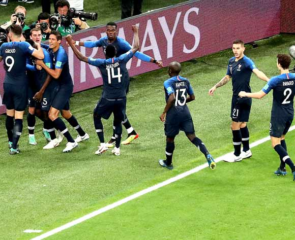 epa06878931 Samuel Umtiti of France (2-L) celebrates with teammates scoring the 1-0 lead during the FIFA World Cup 2018 semi final soccer match between France and Belgium in St.Petersburg, Russia, 10 July 2018.