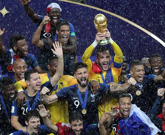 epa06891873 Players of France celebrate after winning the FIFA World Cup 2018 final between France and Croatia in Moscow, Russia, 15 July 2018.