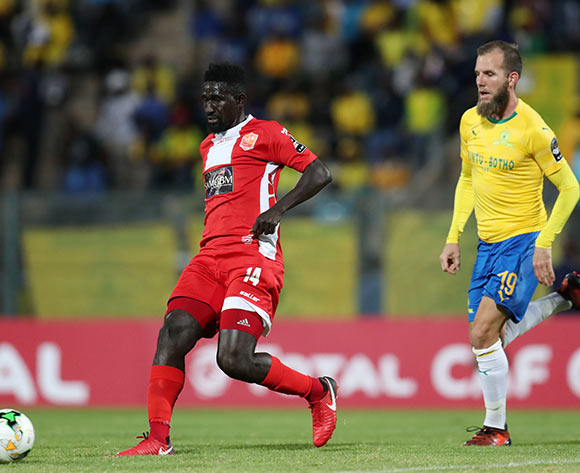 Aboubacar Camara of Horoya challenged by Jeremy Brockie of Mamelodi Sundowns during the 2018 CAF Champions League match between Mamelodi Sundowns and Horoya at the Lucas Moripe Stadium, Atteridgeville on 28 August 2018 ©Muzi Ntombela/BackpagePix