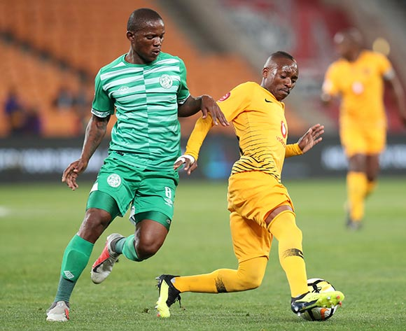 Khama Billiat of Kaizer Chiefs challenged by Lantshene Phalane of Bloemfontein Celtic during the Absa Premiership 2018/19 match between Kaizer Chiefs and Bloemfontein Celtics at the FNB Stadium, Johannesburg on 29 August 2018 ©Muzi Ntombela/BackpagePix