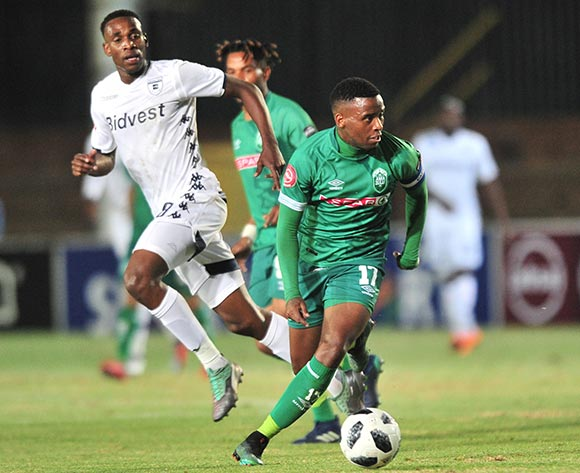 Mbongeni Gumede of AmaZulu challenged by Mxolisi Machupu of Bidvest Wits during the Absa Premiership 2018/19 match between Bidvest Wits and AmaZulu at Bidvest Stadium, Johannesburg on 29 August 2018 ©Samuel Shivambu/BackpagePix