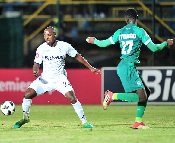 Gift Motupa of Bidvest Wits challenged by Tapelo Nyongo of AmaZulu during the Absa Premiership 2018/19 match between Bidvest Wits and AmaZulu at Bidvest Stadium, Johannesburg on 29 August 2018 ©Samuel Shivambu/BackpagePix