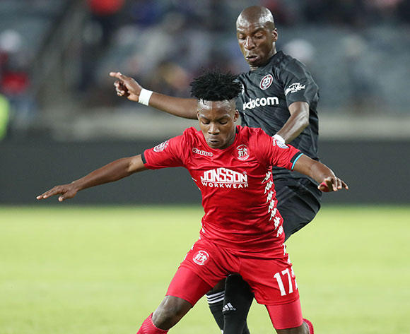 Thabo Motlafi of Highlands Park chalenged by Musa Nyatama of Orlando Pirates during the Absa Premiership 2018/19 match between Orlando Pirates and Highlands Park at the Orlando Stadium, Soweto on 04 August 2018 ©Muzi Ntombela/BackpagePix