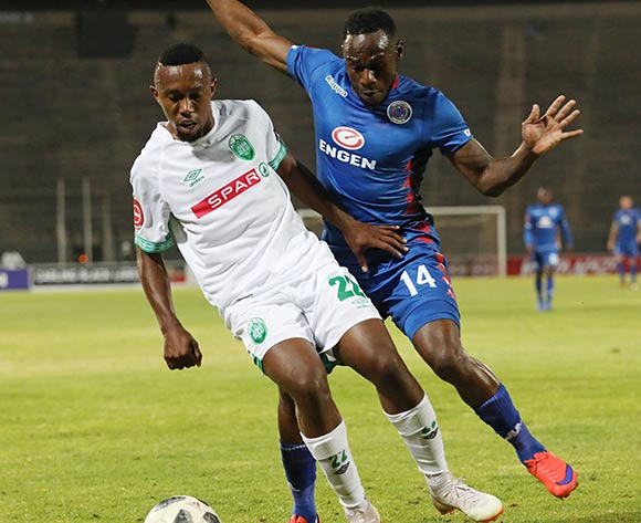 Augustine Ramphele of AmaZulu challenged by Onismor Bhasera of Supersport United during the Absa Premiership 2018/19 match between Supersport United and AmaZulu at the Lucas Moripe Stadium, Atteridgeville on 08 August 2018 ©Muzi Ntombela/BackpagePix