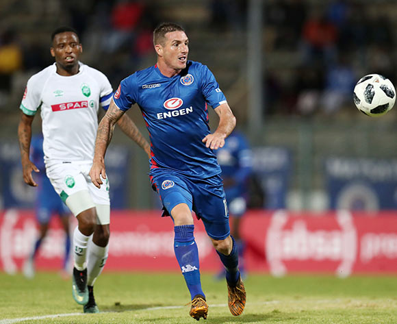 James Keene of Supersport United challenged by Mbongeni Gumede of AmaZulu during the Absa Premiership 2018/19 match between Supersport United and AmaZulu at the Lucas Moripe Stadium, Atteridgeville on 08 August 2018 ©Muzi Ntombela/BackpagePix