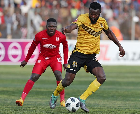 Mwape Musonda of Black Leopards challenged by Siphesihle Zwane of Highlands Park during the Absa Premiership 2018/19 match between Highlands Park and Black Leopards at the Makhulong Stadium, Tembisa on 09 August 2018 ©Muzi Ntombela/BackpagePix