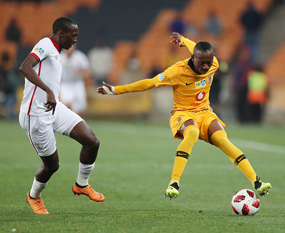 Khama Billiat of Kaizer Chiefs shields ball from Nyiko Mobbie of Free State Stars during the 2018 MTN8 football match between Kaizer Chiefs and Free State Stars at Soccer City, Johannesburg on 11 August 2018 ©Gavin Barker/BackpagePix