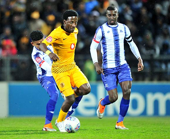 Siphelele Ntshangase (c) of Kaizer Chiefs challenged by Keagan Buchanan (l) and Siyanda Xulu (r) of Maritzburg United during the Absa Premiership 2018/19 match between Maritzburg United and Kaizer Chiefs at Harry Gwala Stadium, Pietermaritzburg on 17 August 2018 ©Samuel Shivambu/BackpagePix
