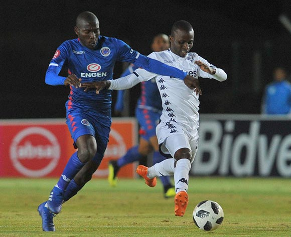 Aubrey Modiba of Supersport United challenges Terrence Dzukamanja of Bidvest Wits during the Absa Premiership match between Bidvest Wits and Supersport United on the 18 August 2018 at Bidvest Stadium / Pic Sydney Mahlangu/BackpagePix