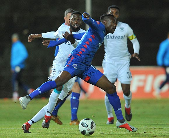 Evans Rusike of Supersport United is challenged by Buhle Mkhwanazi of Bidvest Wits during the Absa Premiership match between Bidvest Wits and Supersport United on the 18 August 2018 at Bidvest Stadium / Pic Sydney Mahlangu/BackpagePix