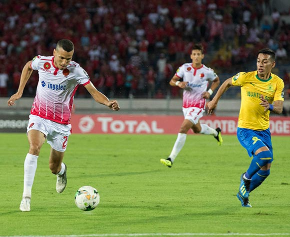 Wydad Athletic Club player Anas El Asbahi (L) and Mamelodi Sundowns le andro sirino  (R) fight for the ball during the CAF Champions League soccer match between Wydad Athletic Club of Morocco and Mamelodi Sundowns of Guinea at Mohamed V Stadium in Casablanca , Morocco,17 August 2018.