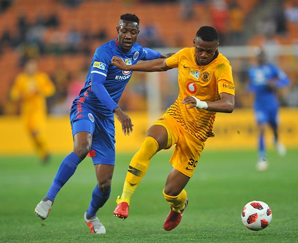 Evans Rusike of Supersport United challenges Siyabonga Nguzana of Kaizer Chiefs during the MTN8 Semi Final 2nd Leg match between Kaizer Chiefs and Superspot United on the 01 September 2018 at FNB Stadium / Pic Sydney Mahlangu/BackpagePix