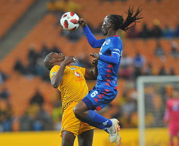 Willard Katsande of Kaizer Chiefs is challenged by Reneilwe Letsholonyane of Supersport United during the MTN8 Semi Final 2nd Leg match between Kaizer Chiefs and Superspot United on the 01 September 2018 at FNB Stadium / Pic Sydney Mahlangu/BackpagePix