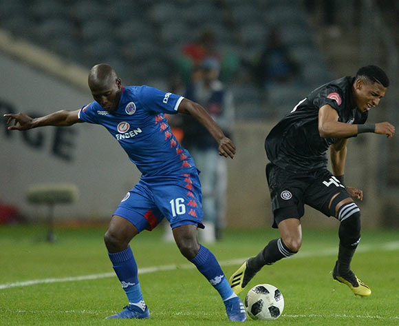 Vincent Pule of Orlando Pirates challenged by Aubrey Modiba of Supersport United during the Absa Premiership 2018/19 match between Orlando Pirates and Supersport United at Orlando Stadium, Johannesburg on 15 September 2018 ©Samuel Shivambu/BackpagePix